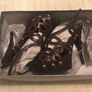 Platform high heeled sandal by Jessica Simpson